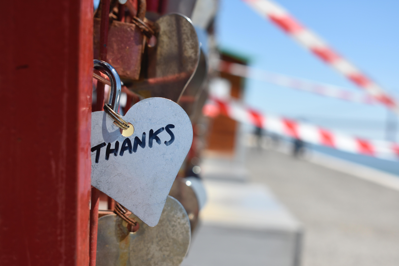 Close up handwriting hearts 883466