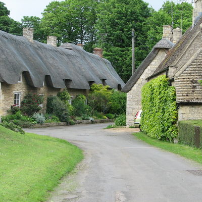 Thumb rutland thatched roofs