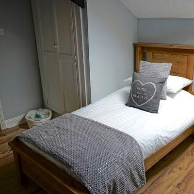 Thumb room 7 bed