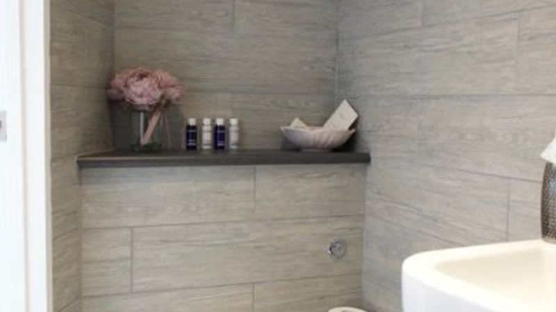 Medium crop room 8 en suite shower room