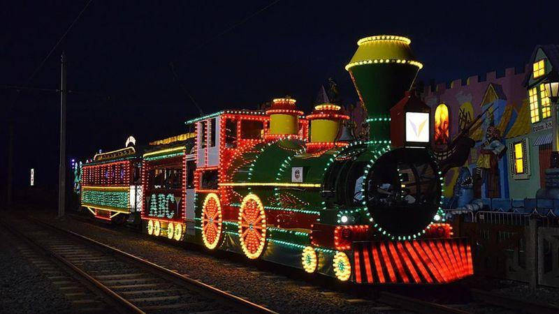 Medium crop illuminations tram