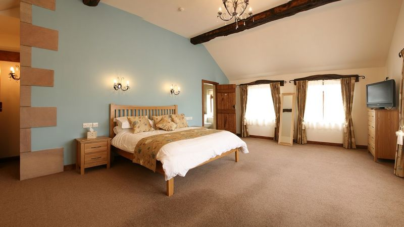 Photograph of Honeymoon Suite