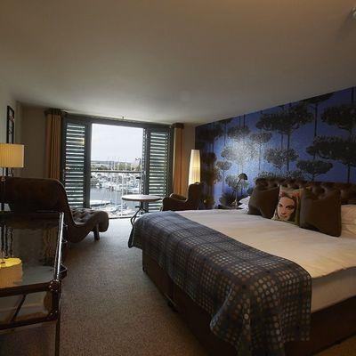 Thumb sh sail loft marina room 310 lr