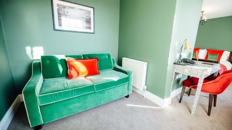 Medium crop banyers house sofabed