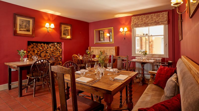 Medium crop red dining room less than 5mb