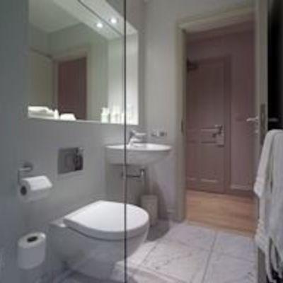 Thumb bathroom 2