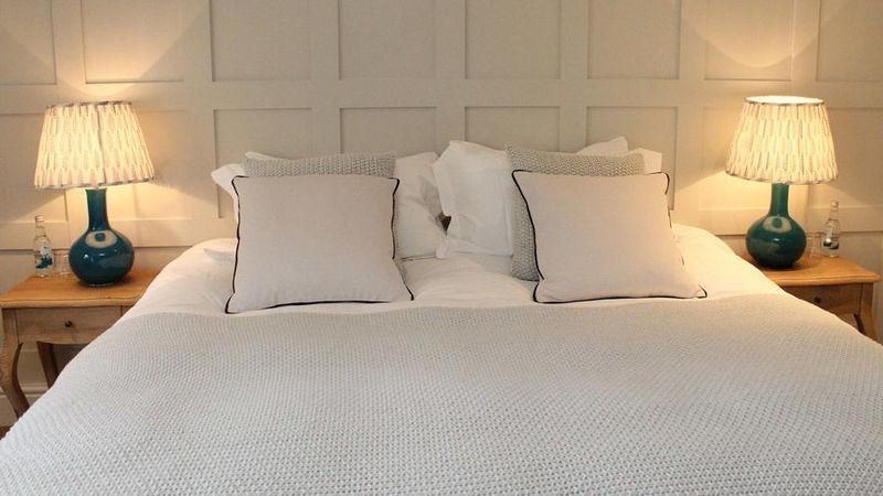 Medium crop bedroom white