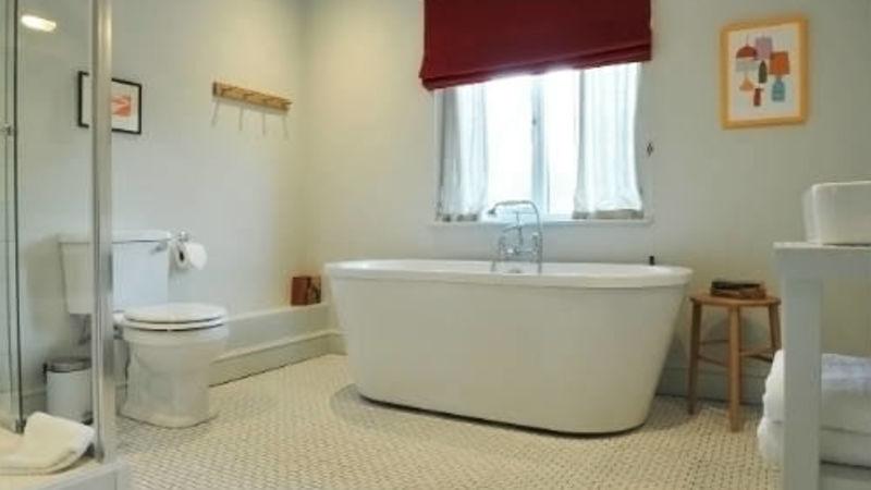 Medium crop cookham bathroom