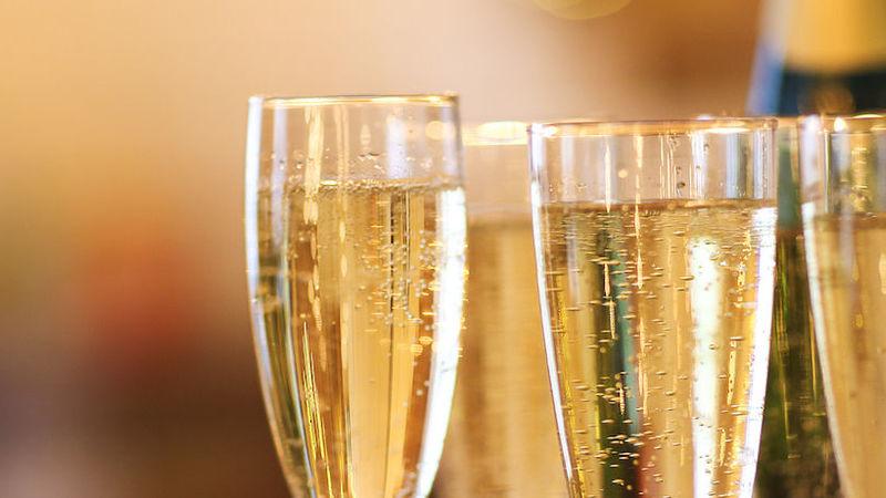 Medium crop champagne glasses   original copy