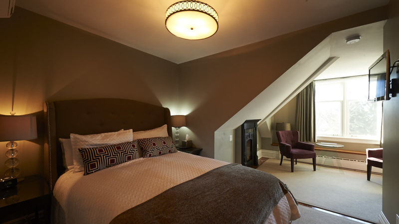 Photograph of Guest Room 7