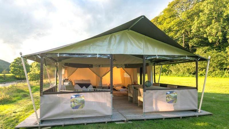 Medium crop aa safari tent 2