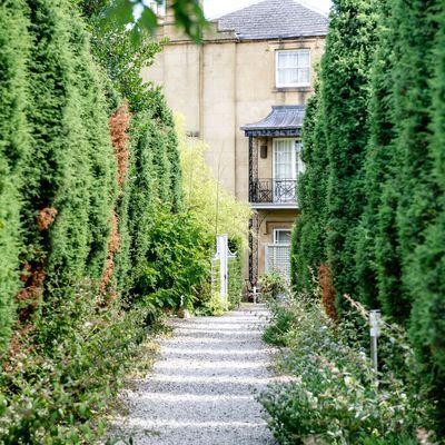 Thumb garden walkway 3
