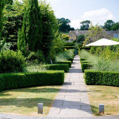Thumb garden walkway 4