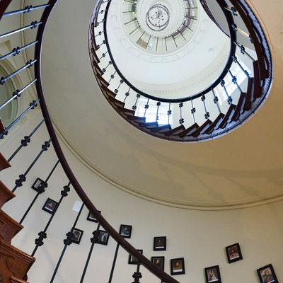 Thumb main stairs 1