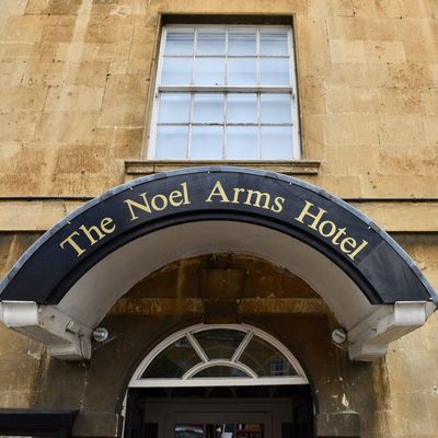 Thumb noel arms