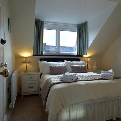 Thumb walla crag guest room