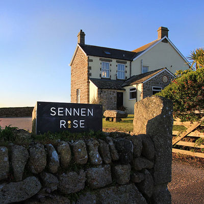 Thumb sennen rise luxury accommodation sennen cove exterior