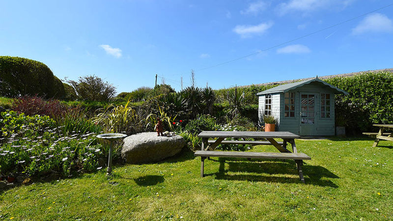Medium crop sennen rise luxury accommodation sennen cove exterior 2