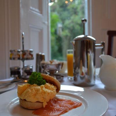 Thumb breakfast at glendon