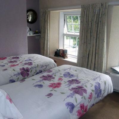 Thumb standard twin bed room