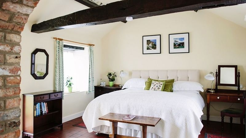 Photograph of Junior Suite-Ensuite with Shower-Green Cottage