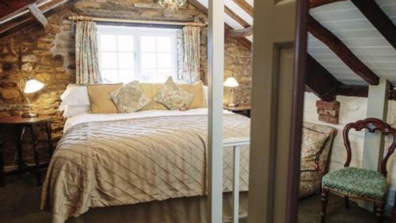 Photograph of Junior Suite-Ensuite-Field Cottage