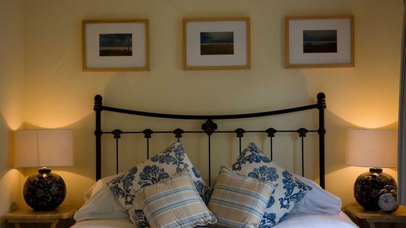 Photograph of Junior Suite-Ensuite with Shower-Blue Cottage