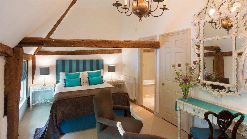 Medium crop angel inn superior double room