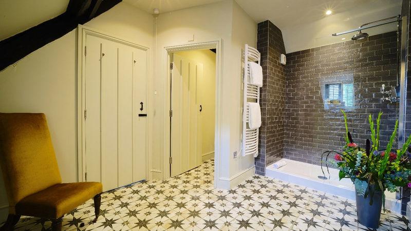 Medium crop bedroom 17 bathroom
