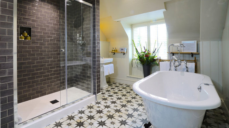 Medium crop bedroom 14 bathroom