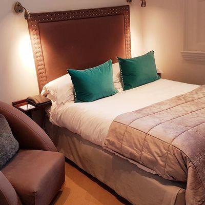 Thumb room 3 bed window