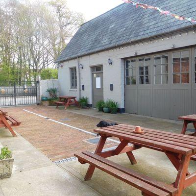 Thumb courtyard and coachouse