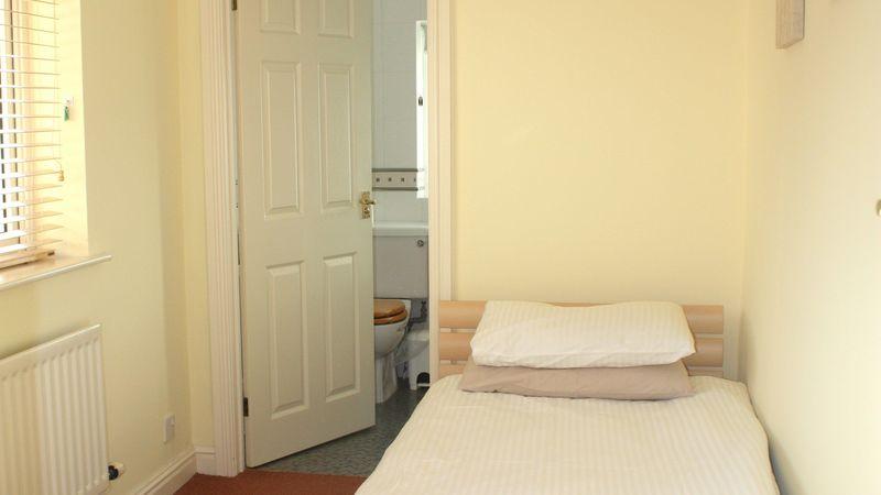 Medium crop single bedroom