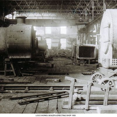 Thumb 1 1c b2 loco works boiler   erecting shop 1 1958