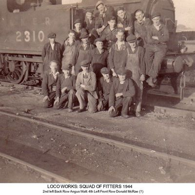 Thumb 1 1c b2 loco works squad of fitters 1944