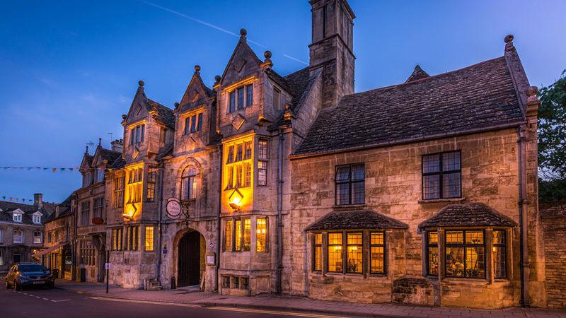 Medium crop hotel front in evening