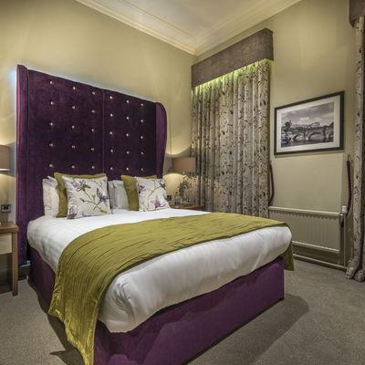Thumb bedroom 202 night