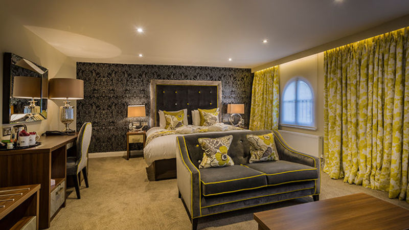 Medium crop golden lion hotel new deluxe bedroom 2017 st ives cambridgeshire best hotels in top3