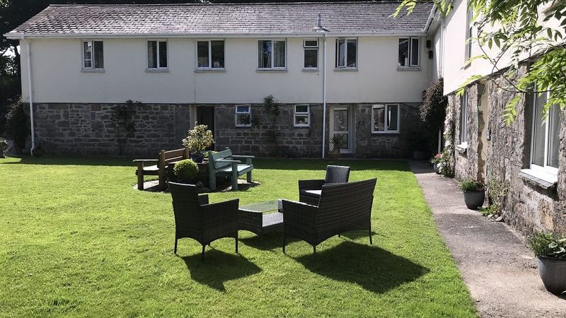 Medium crop courtyard at higher trewithen holiday cottages