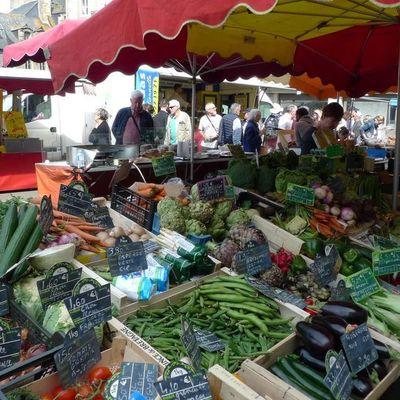 Thumb dinan market 01