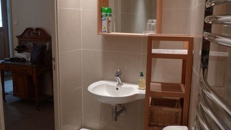 Medium crop main bedroom ensuite bathroom