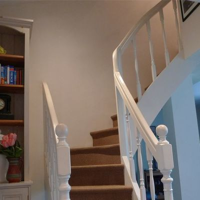 Thumb stairs to the second floor