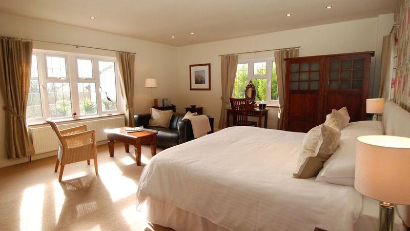 Medium crop t bedroom