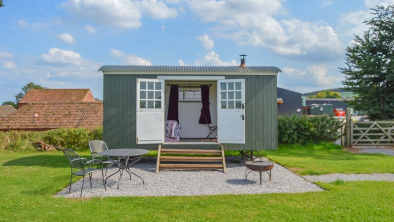 Medium crop shepherds hut 2 2