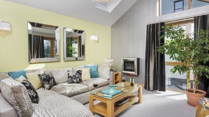 Medium crop lounge coach house suite windermere