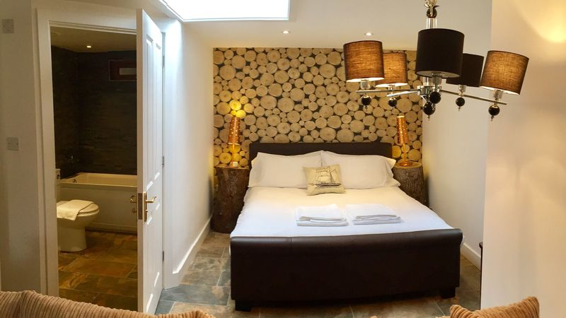 Medium crop suite bed