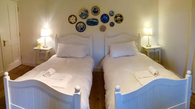 Medium crop twin beds