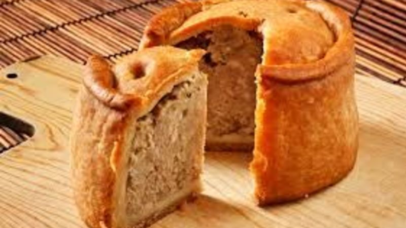 Medium crop porkpie