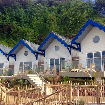 Thumb beach huts 2