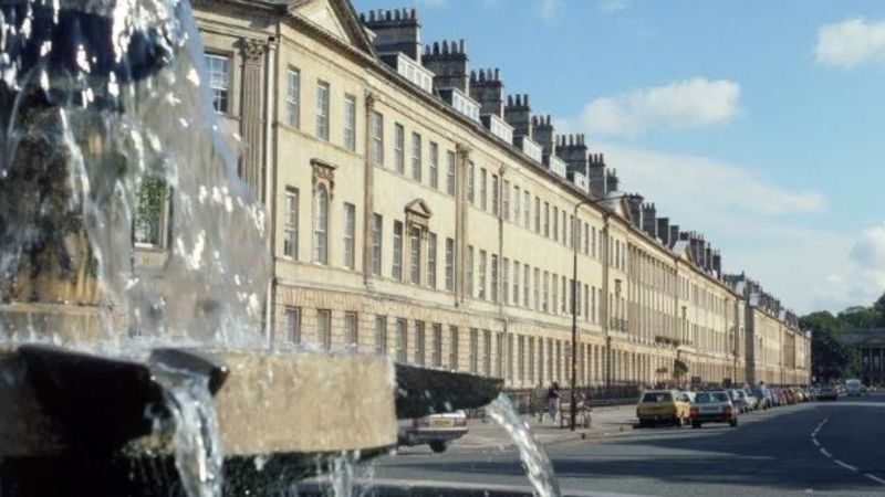 Medium crop fountain gt pulteney st